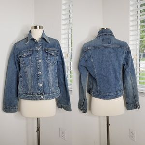 •LEVI'S• Long Sleeve Denim Jacket.